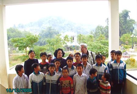 Waisenhaus Bắc Kạn, Jungengruppe mit M. Roten